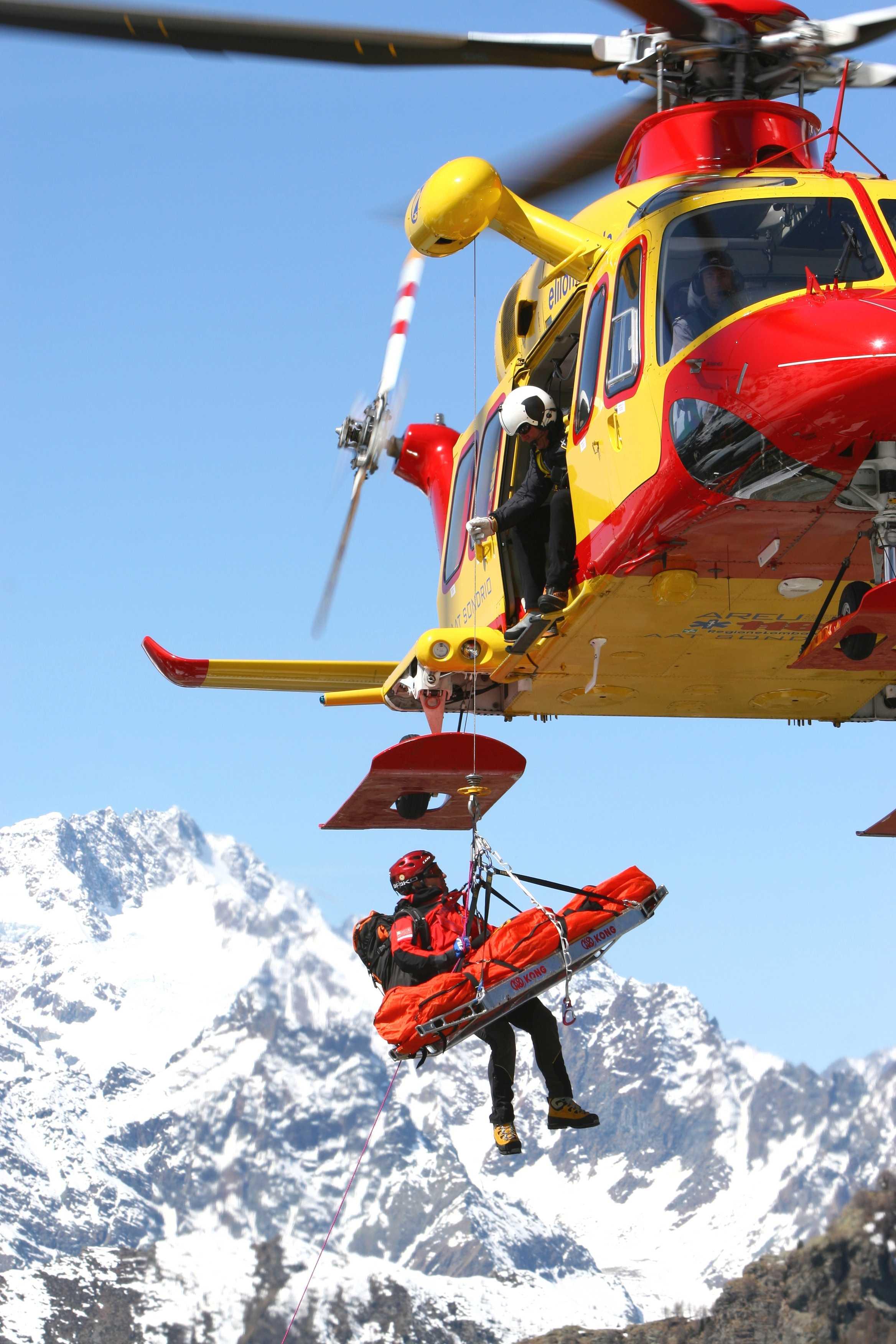 Elicottero 118 : Immagini dall elicottero azienda regionale emergenza urgenza